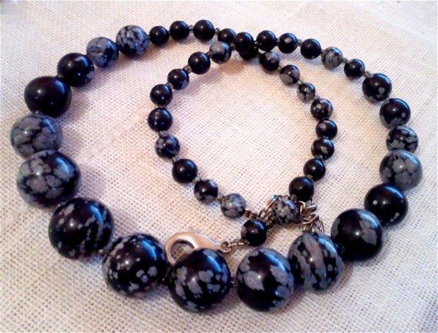 Obsidian natural ,sir 44 cm,
