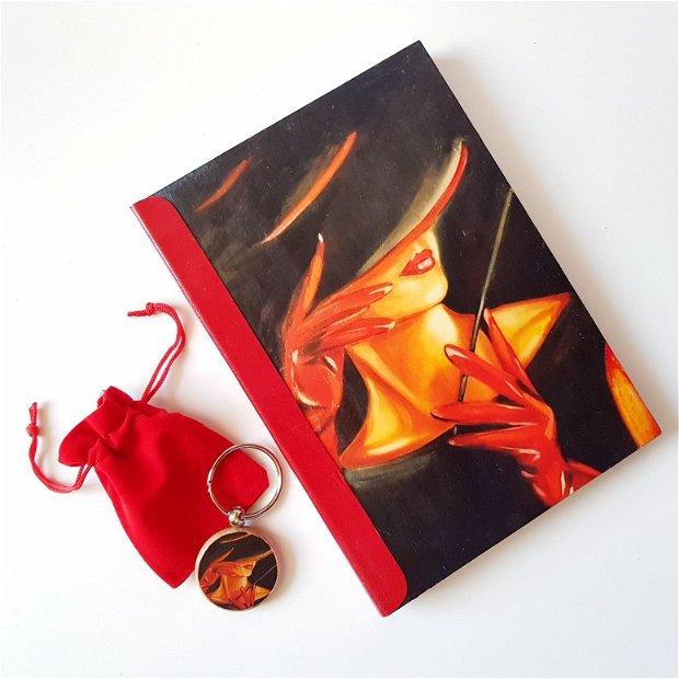 Lady in RED - cu copertă din lemn și cotor de piele naturală roșie