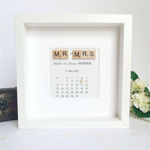 Calendar frame Mr&Mrs   Rama decorativa nunta/cununie   Tablou calendar personalizata cu nume și data evenimentului    Cadou aniversare pentru el și ea