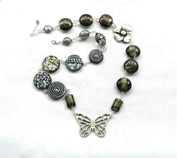 """Colier din mărgele de Murano în tonuri argintii """"Night butterfly"""""""