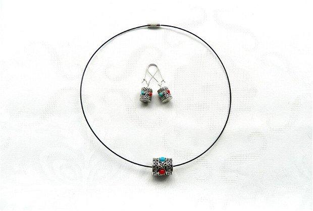 Set colier şi cercei cu cilindri nepalezi argintii cu model etnic
