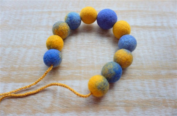 Colier Blue and Yellow