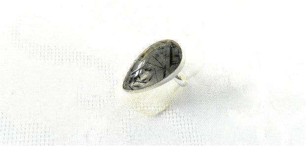 Set cercei şi inel lacrimi din cuarţ turmalinat în monturi placate cu argint 925