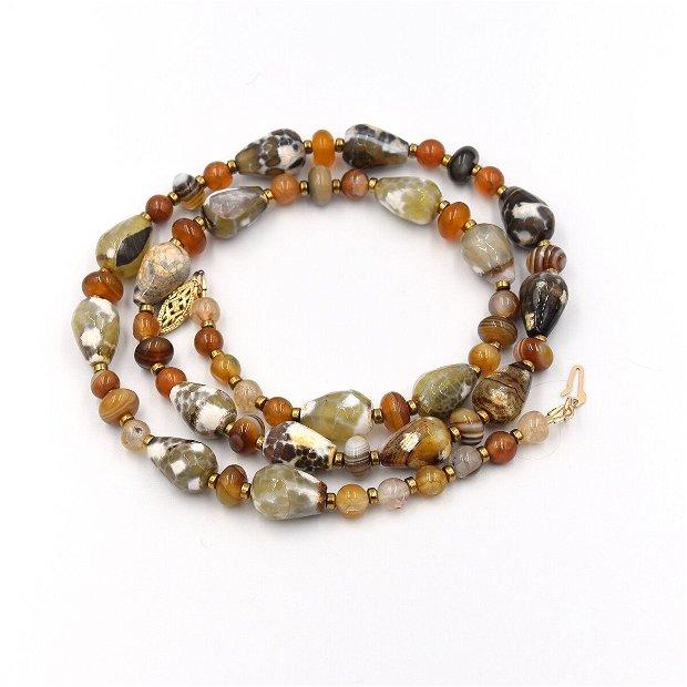 Set de bijuterii  compus din colier, cercei și bratara cu agate naturale și distanțiere de hematit auriu
