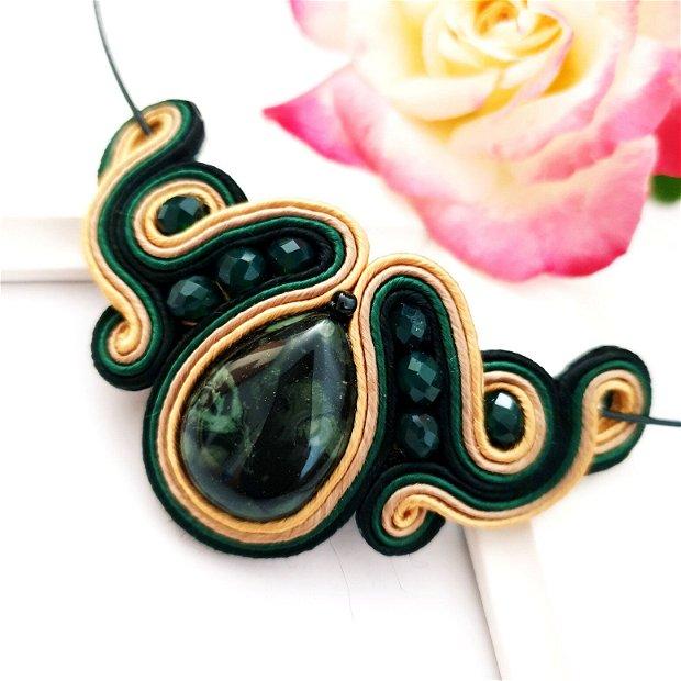 Colier verde-negru , soutache