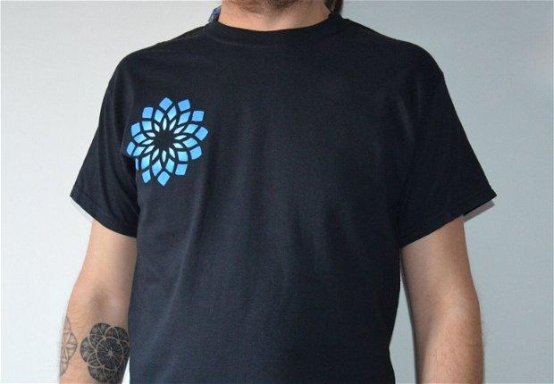 Tricou pictat Manual - Floarea sacră albastră - Floarea vieții