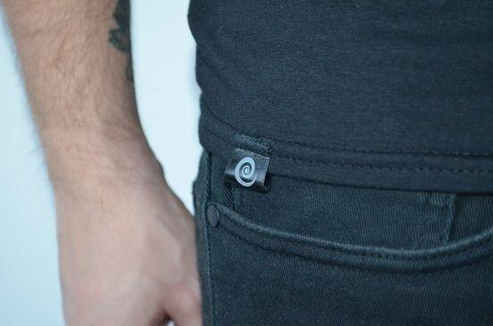 Tricou mana Hamsa tradițională - Pictat manual - fundal negru