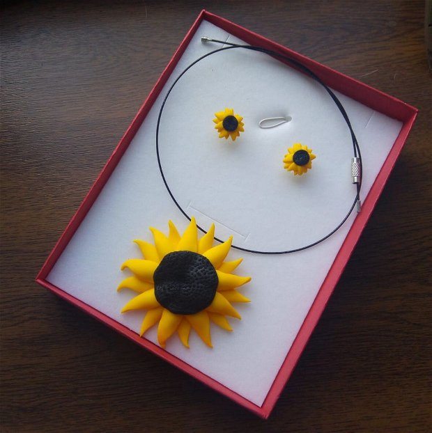 Floarea soarelui, cercei cu tije din argint si pandantiv