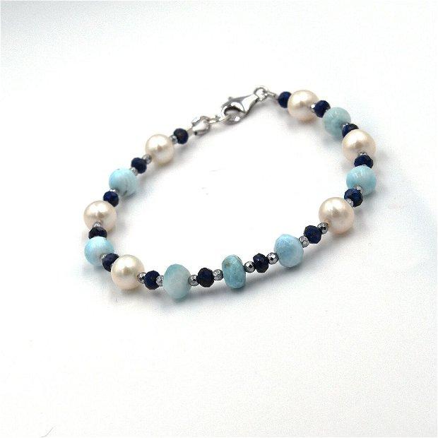 Set de bijuterii  compus din colier și bratara cu larimar, perle de cultura, lapis lazuli și distanțiere de hematit argintiu