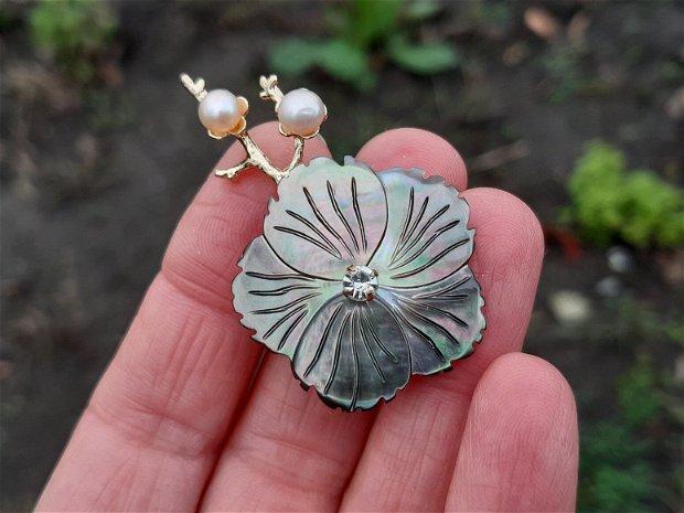 Pandant/brosa floare shell