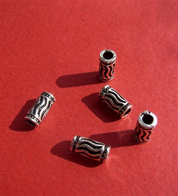 Tub din argint .925 cu valuri partial antichizat aprox 4.5x9.5 mm