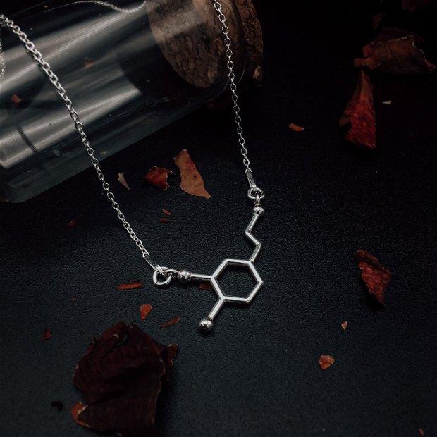 Colier din argint cu molecula Dopaminei - Pasiune si iubire