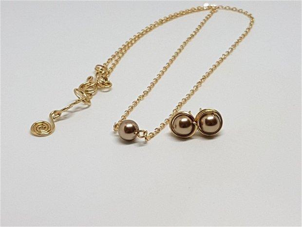 Cercei stud, cercei din aur filat , cercei cu perle swarovsky.