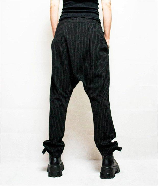 Pantaloni cu turul lasat