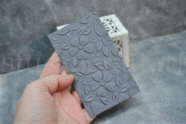 Set 25 cartonase negre embosate, pentru cercei