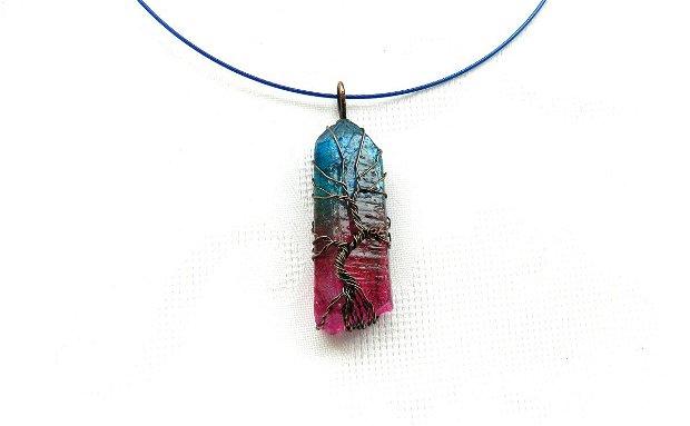 Colier cu pandantiv din cuarţ aura fuchsia-bleu cu arborele vieţii