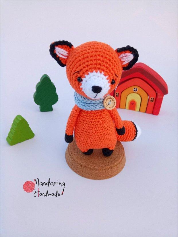 Jucărie croșetată vulpiță