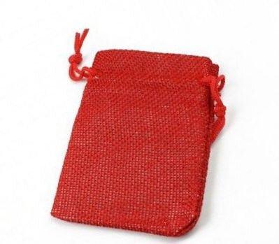 Saculet rosu imitatie panza de sac aprox. 70x90 mm