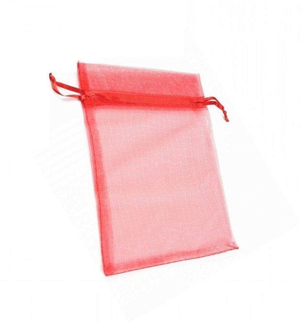 Saculet organza rosu aprox 85x120 mm