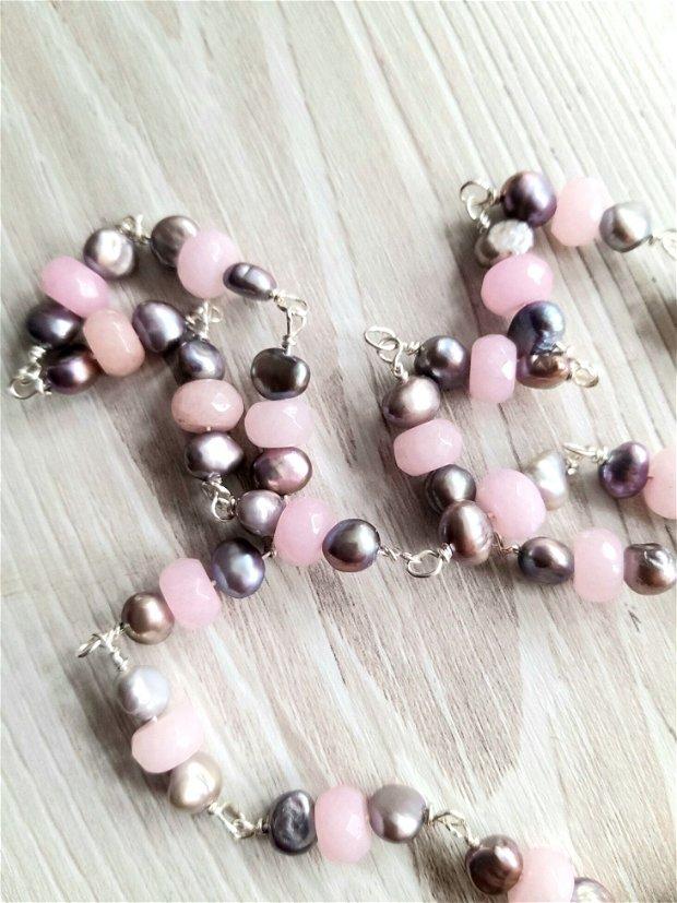 Colier din perle naturale gri si rondele din quartz roz cu pandant din agata in rama argintata