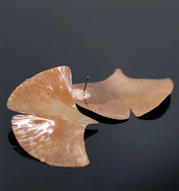 Cercei din cupru frunze ginkgo biloba cu tija din argint 925, cercei statement, cercei handmade