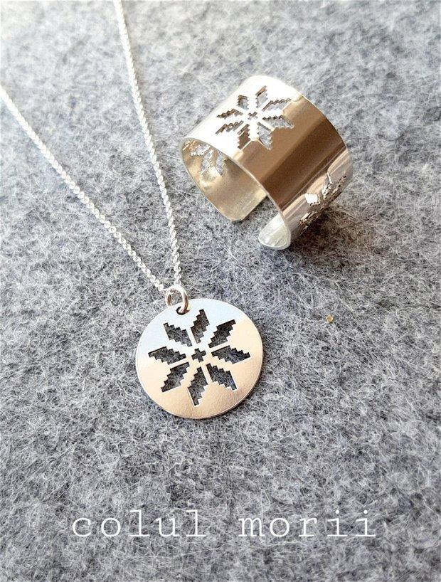 Colier argint cu medalion bănuț model tradițional Colul Morii