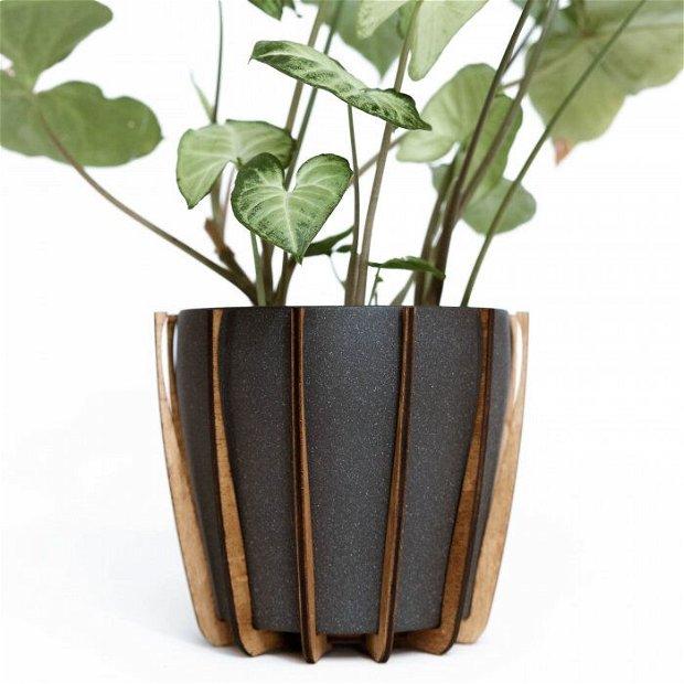 Set cu Masca Ceramica Gri pentru Ghiveci si Suport Lung din Lemn