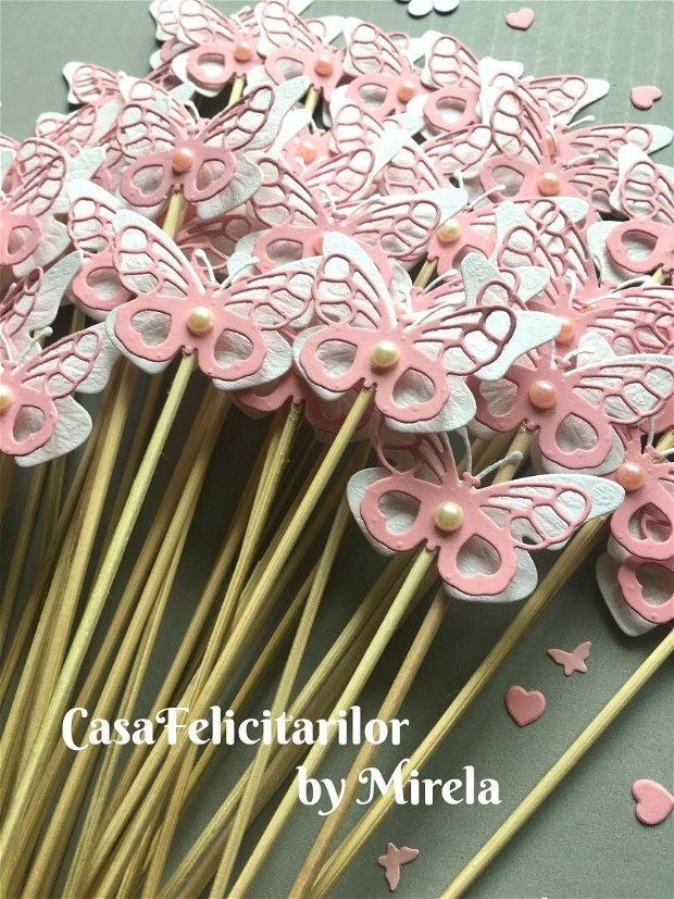 Fluturi dantelati galbeni, decorati cu trandafir