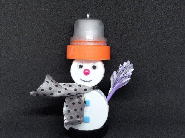 Om de zăpadă - reciclart