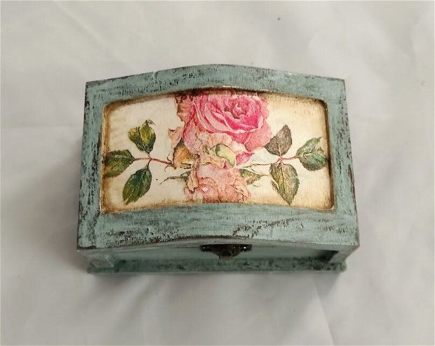 Cutie bijuterii shabby roses