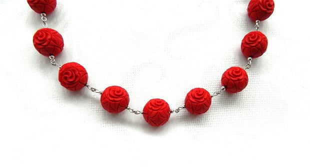 Set cu trandafir din cinabru gravat