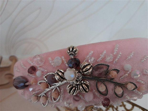 Coronita /diadema/ cordeluta cristale fatetate si accesorii metalice model 5