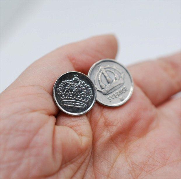 Cercei asimetrici din argint, din monede argint Suedia 25 ORE si 10 ORE, din colectia Reversul monedei