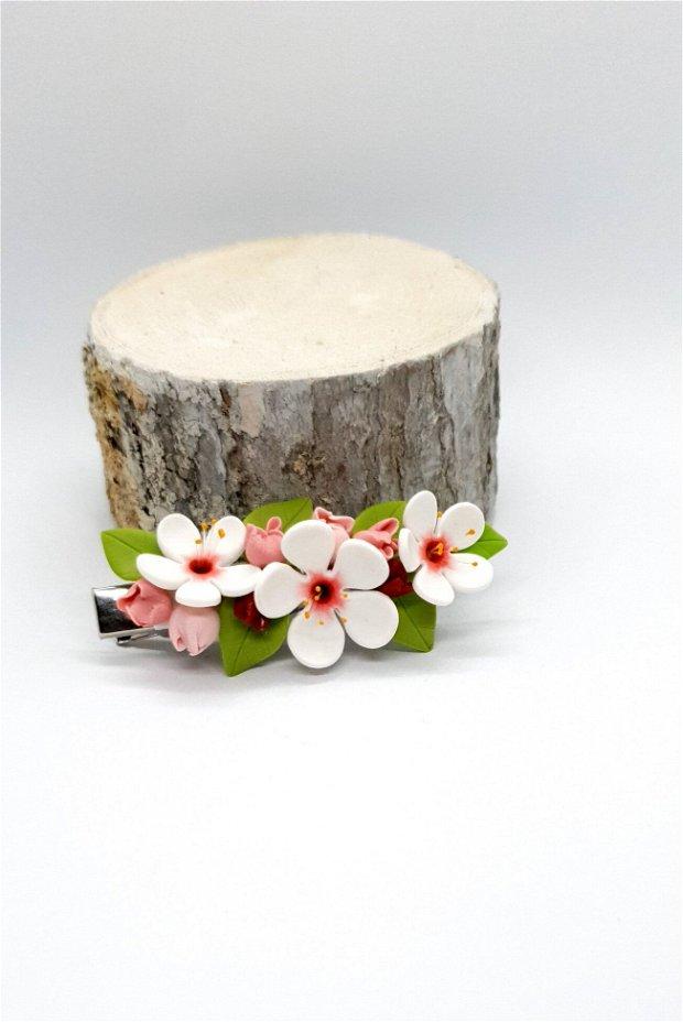 Accesoriu par flori de cireș