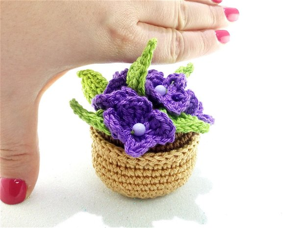 Floare in ghiveci - martisor