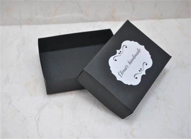 Cutii negre personalizate