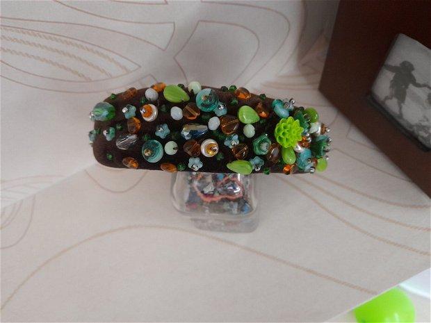 Coronita /diadema/ cordeluta cristale fatetate si accesorii metalice model 8