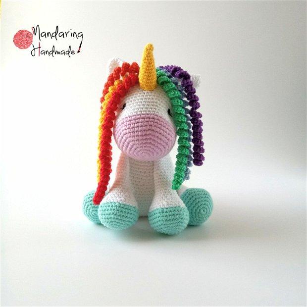 Unicorn croșetat curcubeu.Jucărie croșetată.