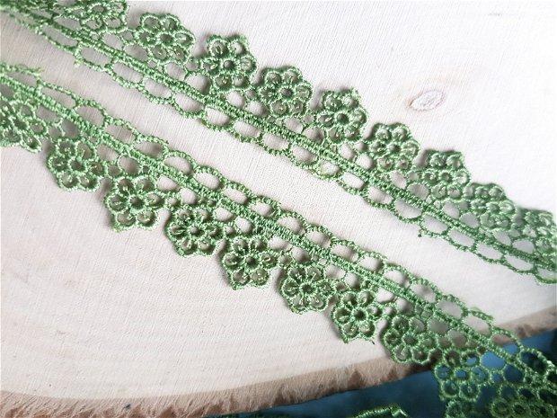 (1m) Dantela (2cm) verde
