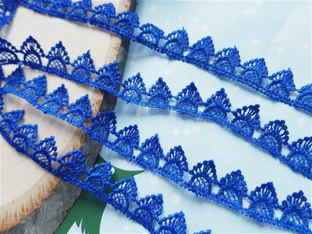 (1m) Dantela (2cm) albastră