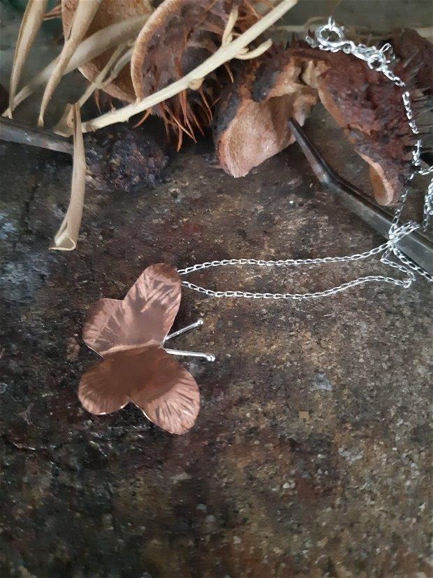Lantisor din argint 925 si pandant fluture din cupru