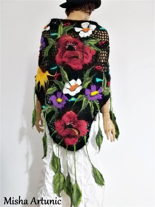 Sal crosetat, cu flori de vara impaslite