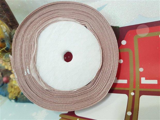 22m Banda satin (1,8cm)