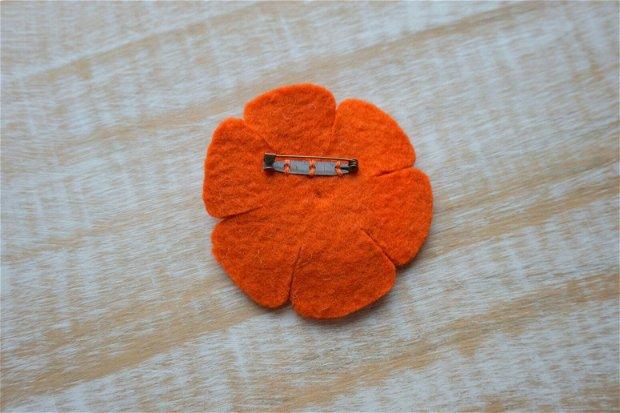 Broşă portocalie