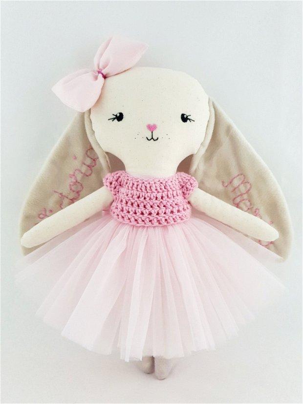 Iepuraș cu tutu roz