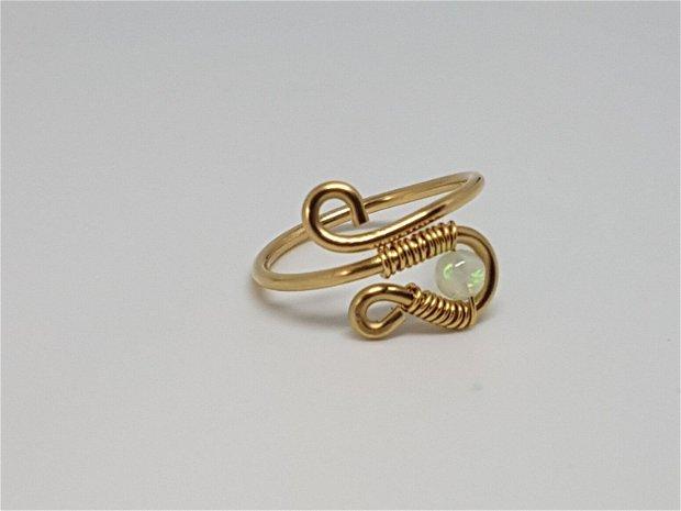 Inel reglabil , inel din aur filat , inel cu opal etiopian.