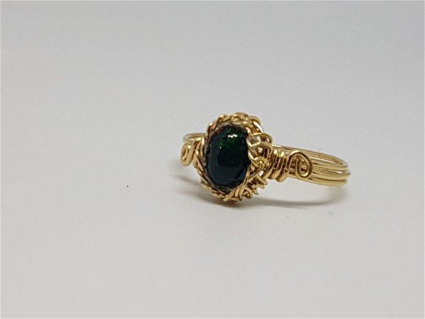 inel din aur filat , inel cu opal etiopian negru.