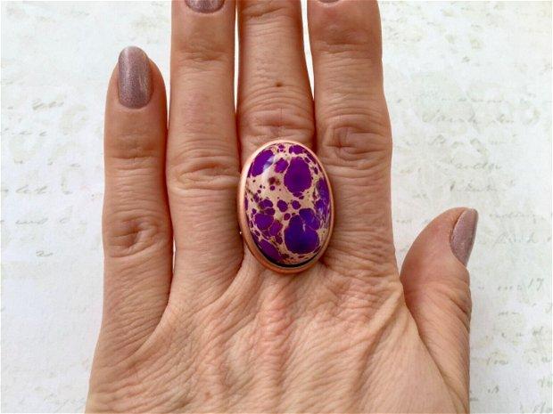 Inel regalit violet