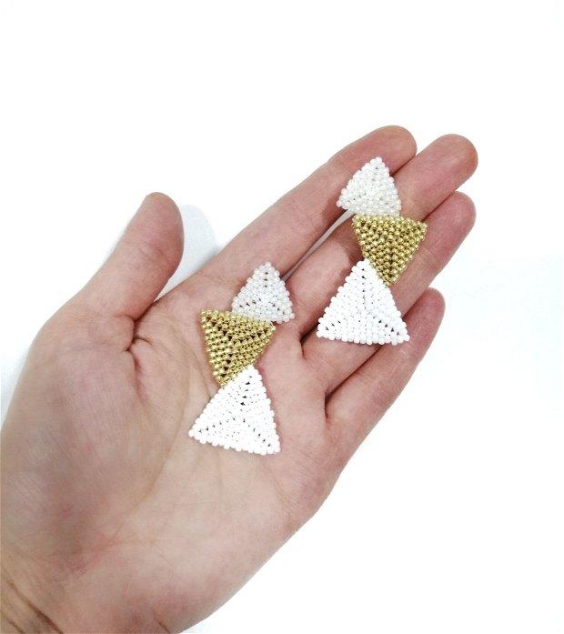Cercei triunghi asimetrici alb auriu