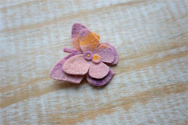 Broşă fluture